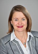 Dr.  Michaela Elbel