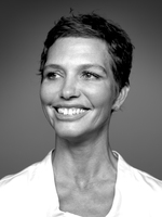 Prof. Dr.  Elke  Wolf