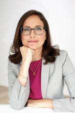 Dr. Saskia Juretzek